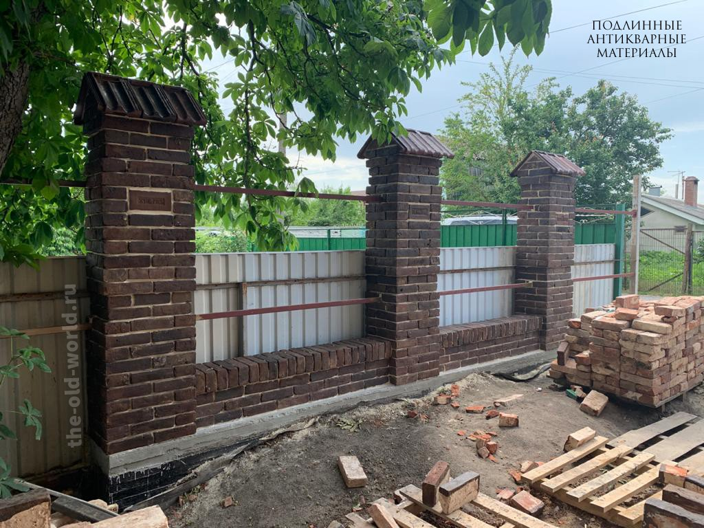 забор старинный кирпич 4